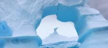 blue-iceberg-antartica-phooty-quark-passenger-eileen-wu
