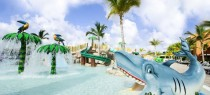 swimming-pool-entertainment-hotel-barcelo-bavaro-palace-deluxe-325-9546
